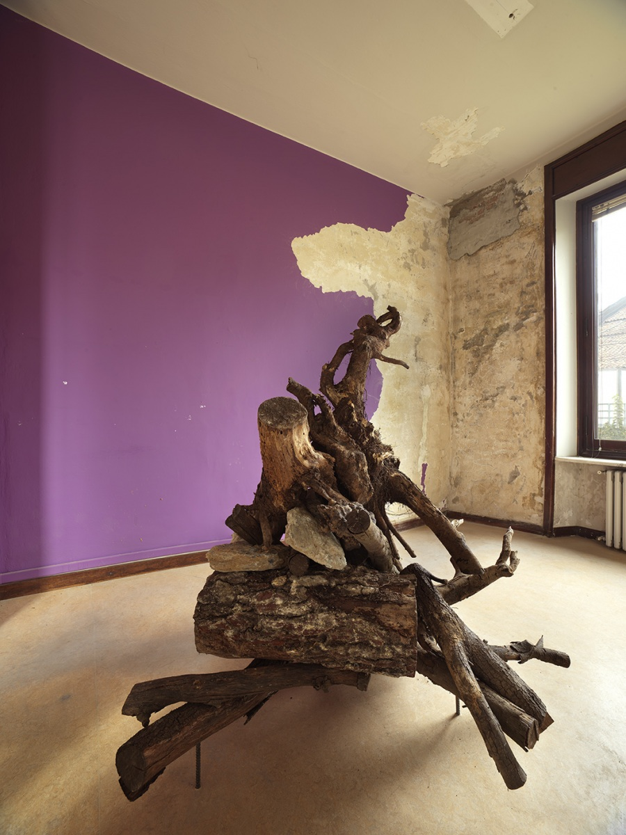 11-The-House-of-the-Farmer-Mike-Nelson-Purple-Room-ph.-Lucio-Rossi
